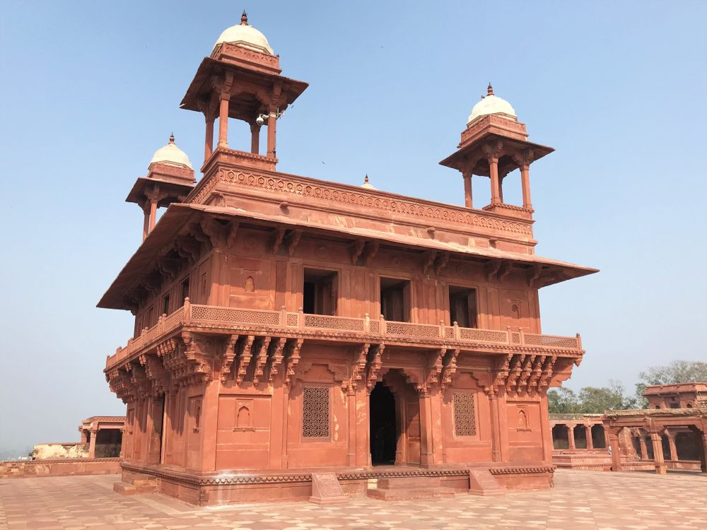 Fatehpur Sikri, Diwan-i-Khas (Hall of Private Audience)